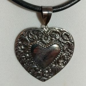 Jewelry - .925 Sterling Silver Embossed Heart Necklace